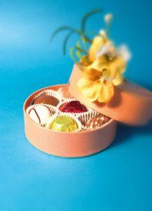 chocolates-1193475_640