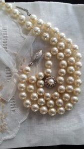 pearls-1326570_640