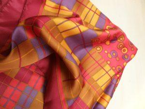scarf-930184_640