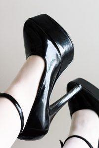 shoes-827569_640