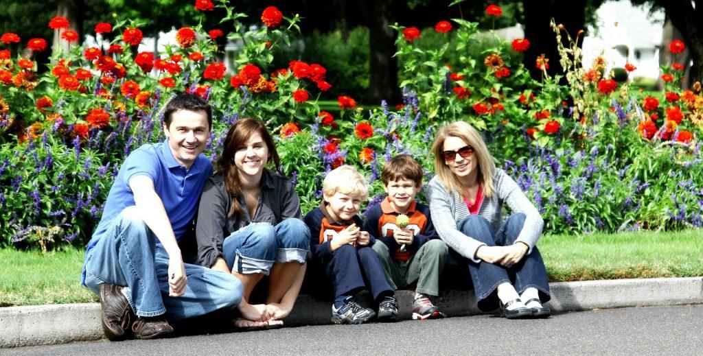 family-286229_1920