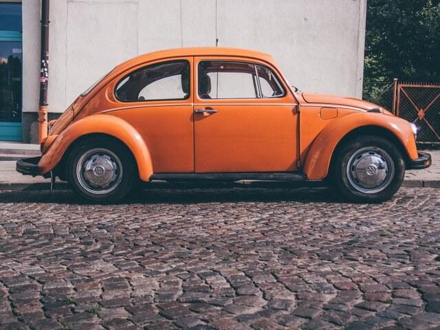 car-orange-retro-1