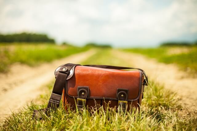 road-fashion-vintage-bag-1