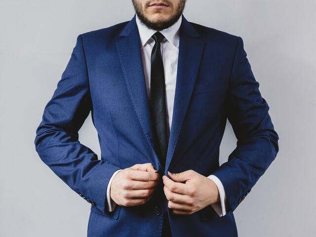 suit-portrait-preparation-wedding-1